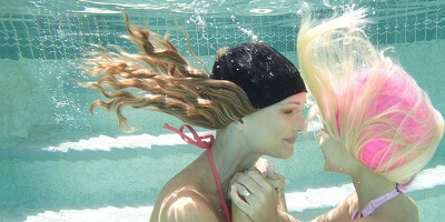 Swimming-in-a-Wig-7